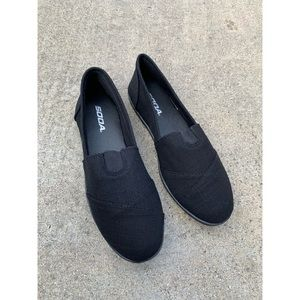 Soda Black Tom Slip On Shoes Flats